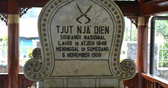 Makam Cut Nyak Dhien di Sumedang.