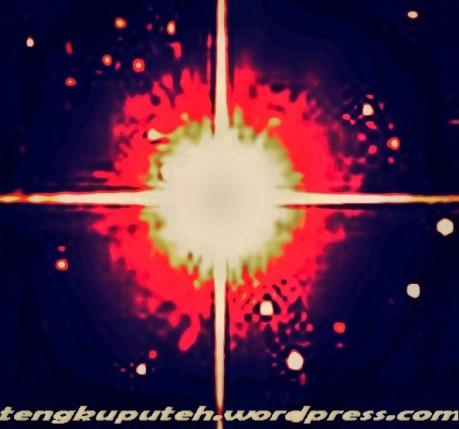 Kecil, tak berarti, titik disemesta. Setitik noktah di dalam noktah, dalam luasnya semesta raya.