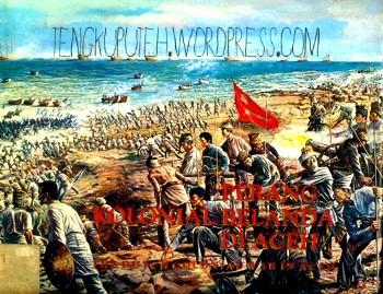 Cover buku dwi bahasa PERANG KOLONIAL BELANDA DI ACEH / THE DUTCH COLONIAL WAR IN ACEH cetakan ke-2 1990 oleh Pusat Dokumentasi dan Informasi Aceh