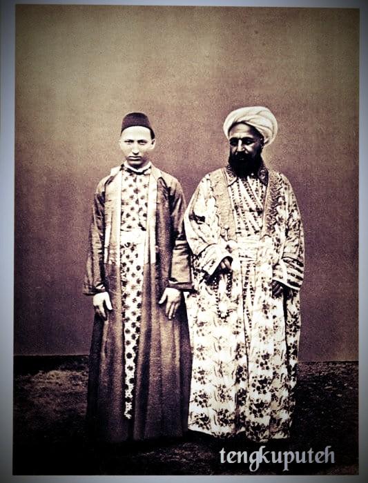 Snouck Hurgronje sebagai Abdul Ghaffar di Arab, kelak diberi julukan Tengku Puteh oleh orang-orang Aceh.