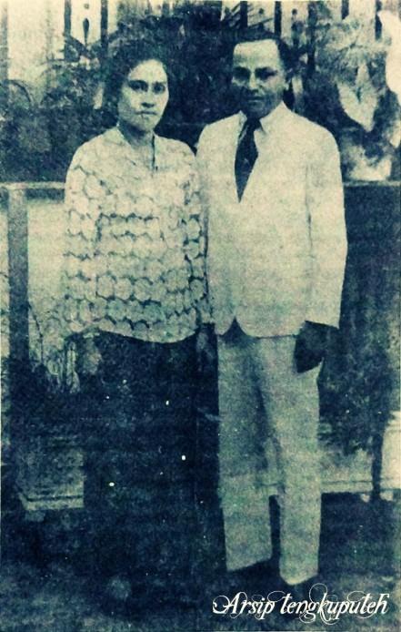 Teuku Nyak Arif bersama istri