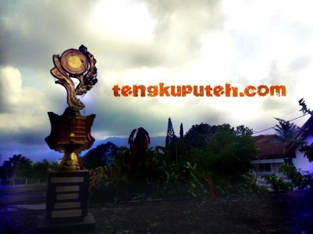 Foto Piala Lomba pidato tahun 1999