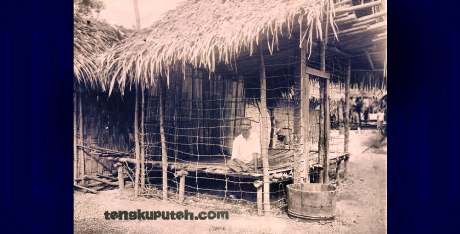 Seorang tahanan Aceh oleh Belanda (1900) sumber: KITLV.nl