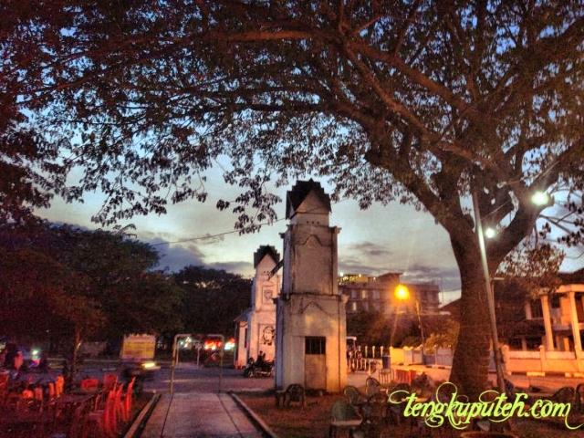 Senja kala di Blang Padang Banda Aceh